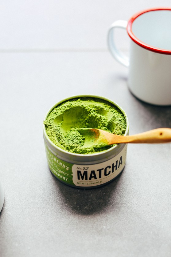 THE-BEST-Matcha-Latte-Creamy-Coconut-and-Macadamia-milk-make-the-perfect-combo-vegan-glutenfree-matcha-latte-recipe-5